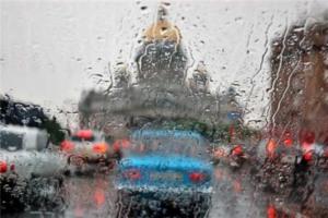 Безопасная езда по мокрой дороге