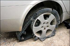 Почему шина может лопнуть на ходу и как этого избежать?